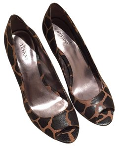 Alfani Brown Pumps