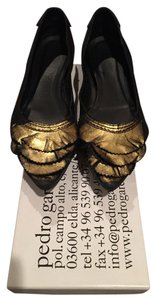 Pedro Garcia Gold Pointed Toe Leather Black Flats