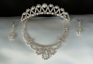 Crystal Tiara Set W/ Pearls