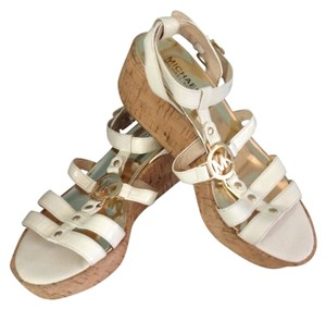 MICHAEL Michael Kors Cream Off-white Sandals