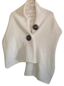 Laisy Daisy White Buttoned Wrap