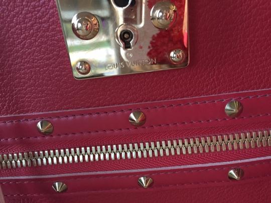 Louis Vuitton Lv Suhai Leather Hanbag Satchel in Red Image 2