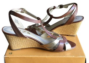 Unisa Brown Wedges
