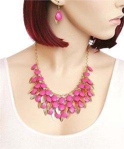 Other FASHION FUSCIA GOLDTONE FACETED TEARDROP SHAPE COLORED STONE & LEAVES NECKLACE & EARRINGS SET