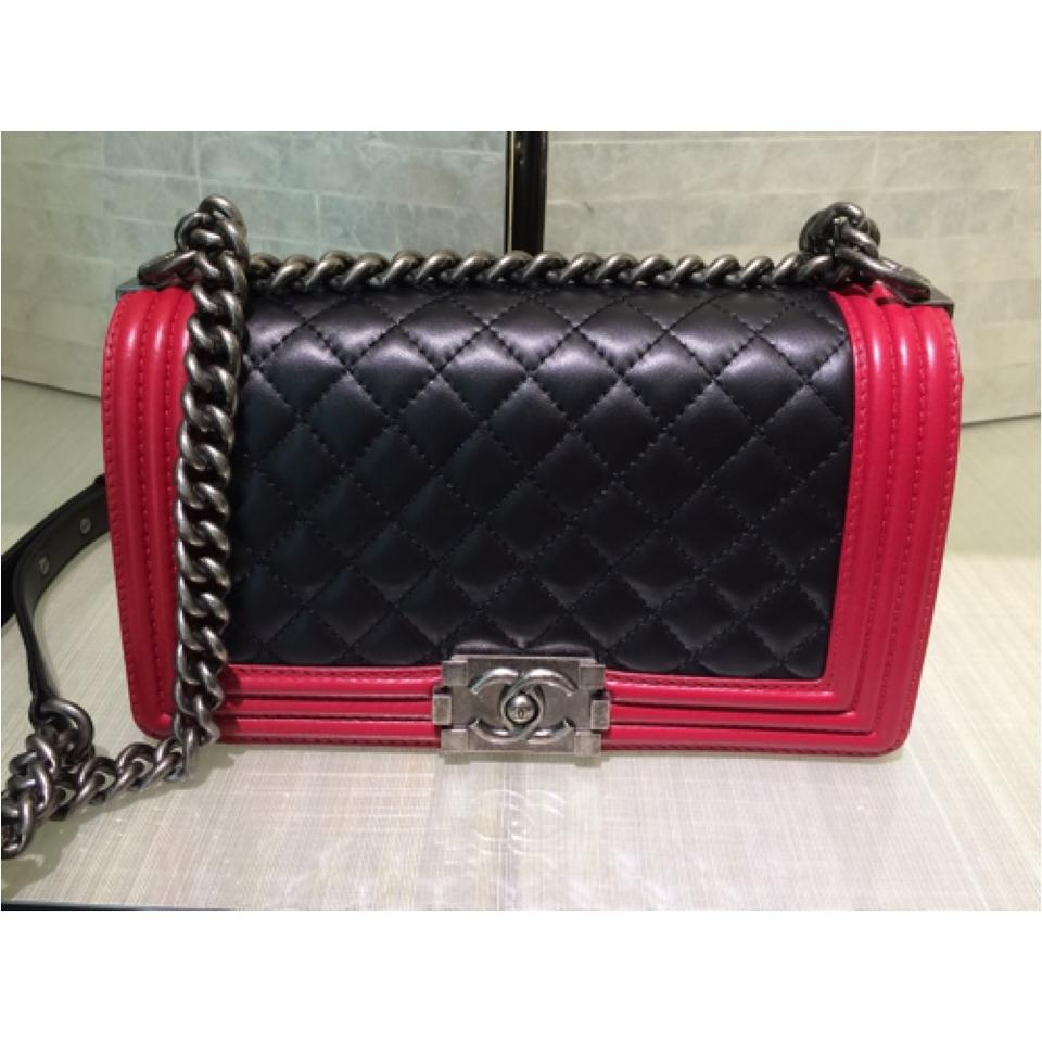 cd89bf2f0237 Chanel Limited Edition Boy Quilted Calfskin Red Two-tone Cross Body Bag  Image 0 ...