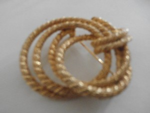 Vintage Signed Craft Gold Tone Pin Brooch