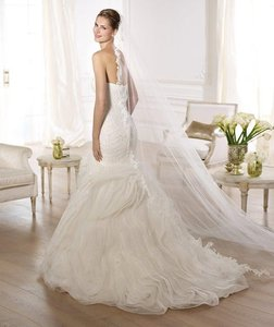 Pronovias Pronovias Ontina Style 6/21 Wedding Dress And Veil Wedding Dress