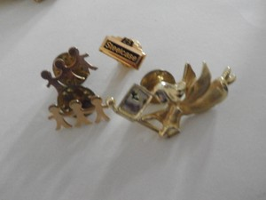 Vintage 4 Small Gold Tone Pin