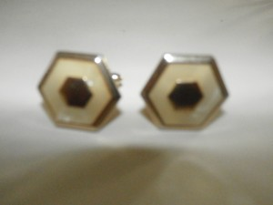 SWANK VINTAGE SWANK GOLD TONE Cuff Links MOTHER OF PEARL