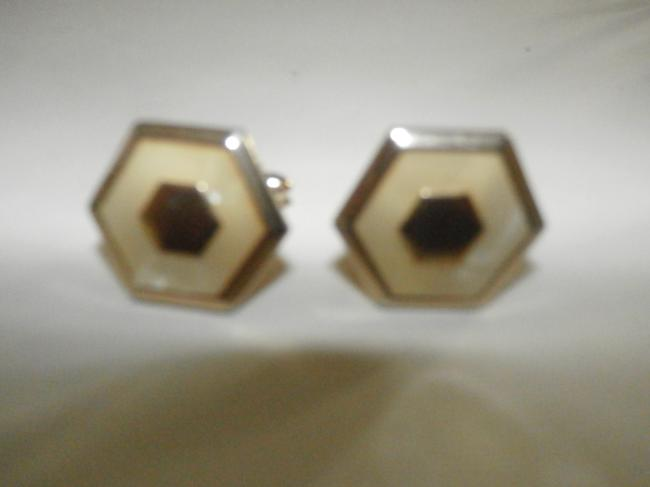 Item - Goldtone Mother Of Pearl Vintage Cuff Links