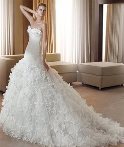 Pronovias Fantastica Wedding Dress
