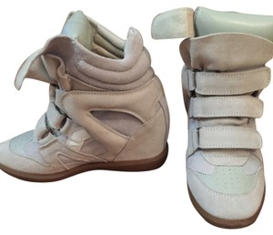 Upere Beige Wedges
