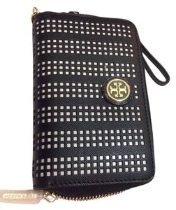 Tory Burch Tory Burch Black Birch Perforated Robinson Smartphone Wristlet