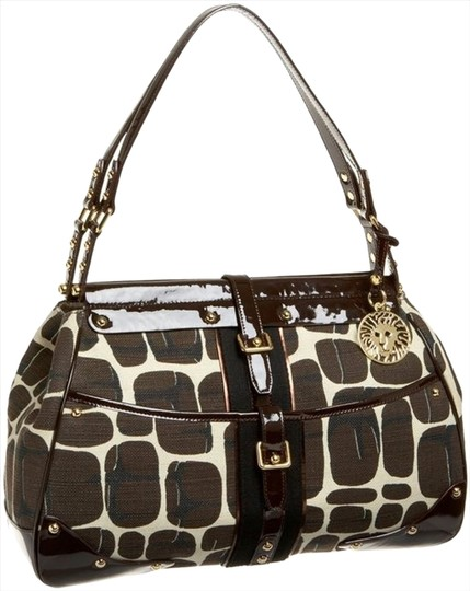 Preload https://img-static.tradesy.com/item/8788660/anne-klein-new-york-waldorf-print-one-size-retail-giraffe-canvas-and-leather-satiny-ribbed-lining-ma-0-3-540-540.jpg