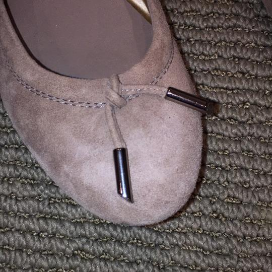 Tod's Tan suede Flats Image 1