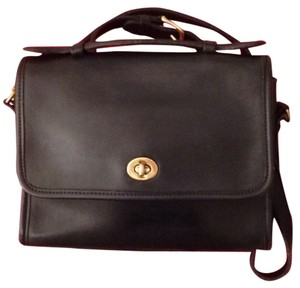 Coach Court Crossbody Bags - Up to 70% off at Tradesy 27468abec38ce