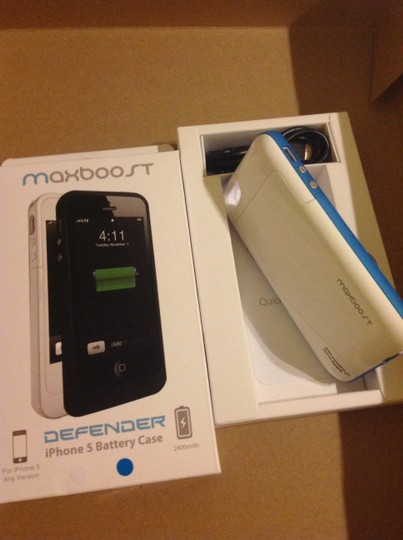 Maxboost Maxboost defender extended built in battery hardshell case iPhone 5 5s 2400mAh doubles battery life Blue white