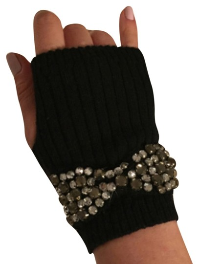 Preload https://img-static.tradesy.com/item/8794138/juicy-couture-black-mittens-with-rhinestones-0-1-540-540.jpg