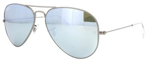 Ray-Ban Ray-Ban RB3025 Gunmetal Frame Green Mirror Silver Lenses Aviator