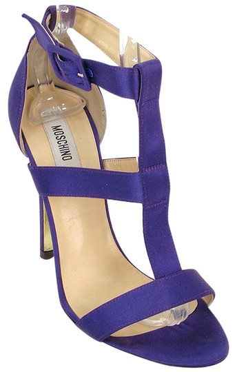 Preload https://img-static.tradesy.com/item/880861/moschino-purple-satin-t-strap-sandals-size-us-7-0-0-540-540.jpg