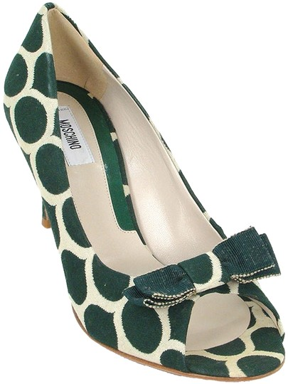 Preload https://img-static.tradesy.com/item/881002/moschino-green-and-cream-print-canvas-peeptoe-pumps-size-us-95-0-0-540-540.jpg