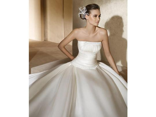 Pronovias Ivory Satin Alianza Formal Dress Size 12 (L)