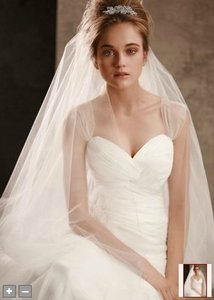 Vera Wang Ivory Long New Two-tier Cathedral Length with Raw Edge Style Vw370024 Bridal Veil