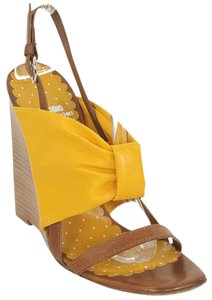 Moschino Bow Wedge Wood Orange, Yellow Sandals