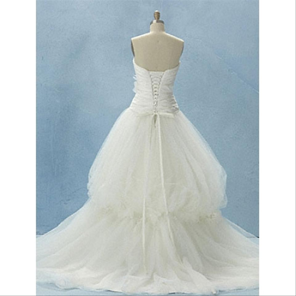 Alfred angelo white tulle satin 211 snow feminine dress size 8 alfred angelo white tulle satin 211 snow feminine dress size 8 m from cinderella39s secret on tradesy junglespirit Choice Image
