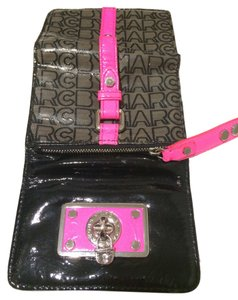 Marc by Marc Jacobs Wristlet in Black, gray, pink