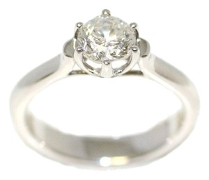 Brilliant Clasic Diamond Engagement Ring