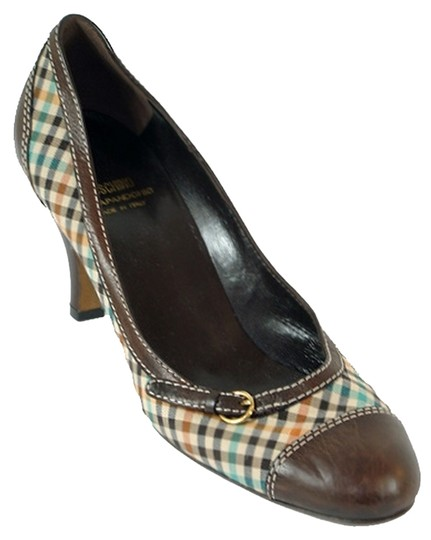 Preload https://img-static.tradesy.com/item/881855/moschino-brown-ivory-red-green-plaid-canvas-with-leather-detail-pumps-size-us-9-0-0-540-540.jpg