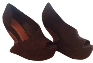 Leifsdottir Chocolate Wedges