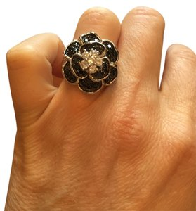 Other Costume Jewelry. Black diamond flower ring.
