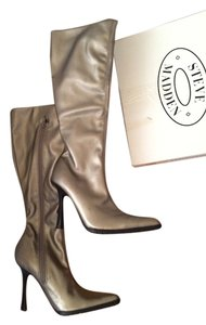 Steve Madden Pewter / Silver / Grey Boots