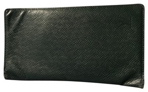 Louis Vuitton Men's Cuir Taiga Checkbook Wallet