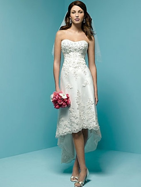 Item - White Satin 1142 Destination Wedding Dress Size 2 (XS)