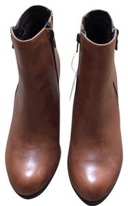 5 th Avenue Brown Boots