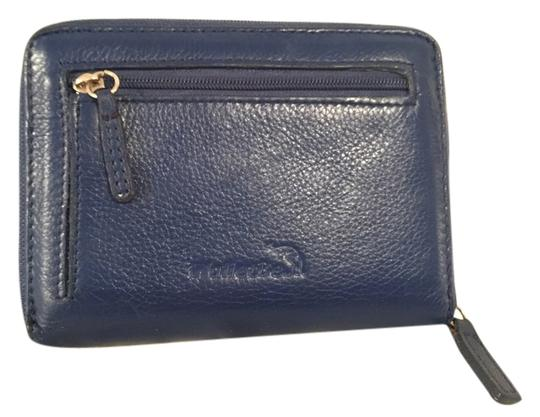 Preload https://img-static.tradesy.com/item/8824720/blue-leather-wthree-sided-zipper-closure-wallet-0-2-540-540.jpg