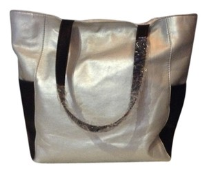 Other Tote in Silver / black