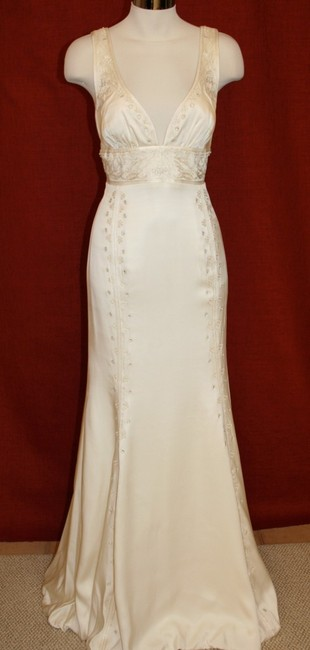 Item - Antique White Silk Beaded Embroidered Gown La0004 Formal Wedding Dress Size 8 (M)