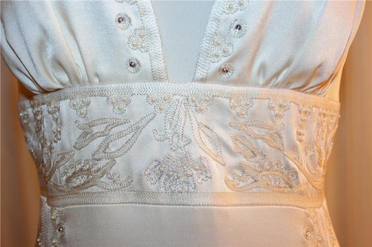 Nicole Miller Bridal Antique White Silk Beaded Embroidered Gown La0004 Formal Wedding Dress Size 8 (M) Image 4