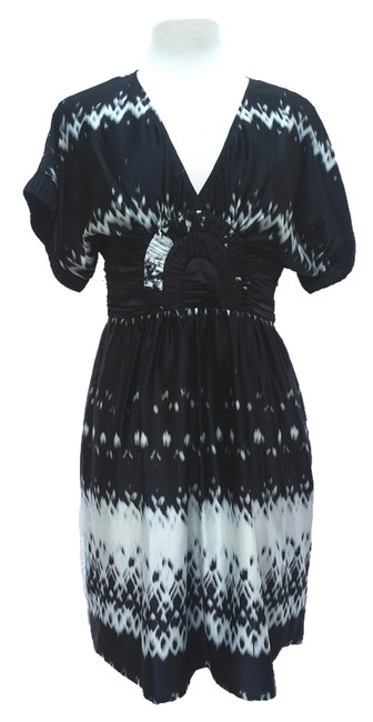 Preload https://img-static.tradesy.com/item/8830093/max-and-cleo-black-above-knee-short-casual-dress-size-10-m-0-4-650-650.jpg