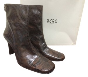 BCBG Paris Heels Ankle Ankle Black and Sabble Boots