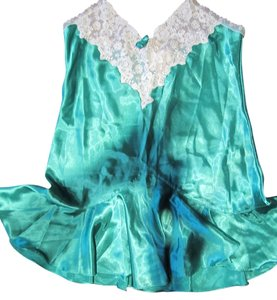 Victoria's Secret Honeymoon Romantic Lingerie Top Green