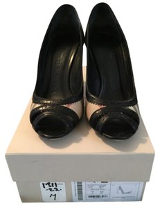 Burberry Black/burberry print Pumps