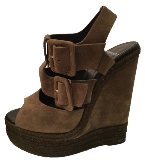 Preload https://img-static.tradesy.com/item/8832166/pierre-hardy-dark-olive-wedges-size-us-8-regular-m-b-0-2-540-540.jpg