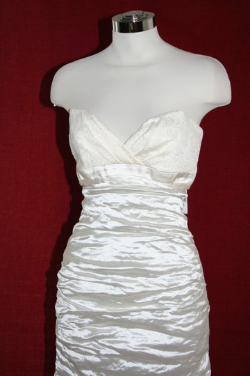 Nicole Miller Bridal Antique White Sweetheart Organza Techno Gown 14 Ea0040 Formal Wedding Dress Size 10 (M) Image 4