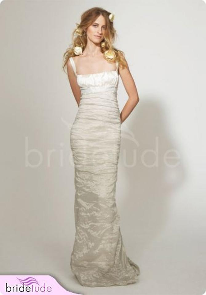 Nicole miller bridal antique white silk ruched mermaid trumpet nicole miller bridal antique white silk ruched mermaid trumpet ea0034 destination wedding dress size 2 junglespirit Choice Image