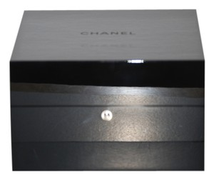 Chanel Huge CHANEL Black Lacquer Watch Presentation Box